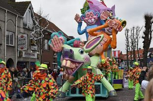 Carnavalstoet maakt van Essen één groot feest (deel 2)