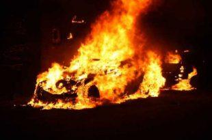 Twee auto's uitgebrand aan Hoogakker in Sprundel