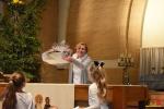 74 Essen - Leerlingen Mariaberg zingen voor volle kerk - Kerst 2017 - (c) Noordernieuws.be - DSC_8516