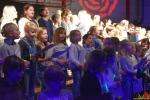 151 Essense schoolkinderen zingen Can You Feel It - (c) Noordernieuws.be 2020 - HDB_9895