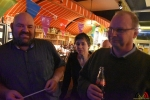 113 Gouverneur Antwerpen - Cathy Berx test alcoholtester in Cafe Rex Essen - (c) Noordernieuws.be 2020 - HDB_0787