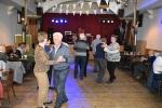 23 Gezellig dansen in Zaal Flora - ©Noordernieuws - DSC_3108