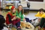163 Leerlingen Freinetschool Essen vieren hondje Lewis 3 jaar - (c) Noordernieuws.be 2019 - HDB_2115