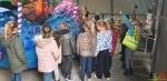 103 Carnaval Kinderen Bezichtigen wagen CV Den Heikant - Essen - (c) Noordernieuws.be 2020 - 20200220_085138