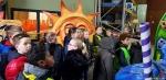 122 Carnaval Kinderen Bezichtigen wagen CV Den Heikant - Essen - (c) Noordernieuws.be 2020 - 20200220_095544