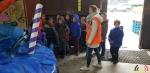 131 Carnaval Kinderen Bezichtigen wagen CV Den Heikant - Essen - (c) Noordernieuws.be 2020 - 20200220_102510