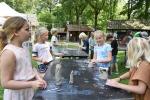 Scholen-beleven-Workshop-beeldhouwen-op-Internationaal-Beeldhouwerssymposium-Karrenmuseum-Essen-c-Noordernieuws.be-2021-HDB_4083