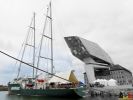 100 Greenpeace - Rainbow Warrior doet Antwerpen aan - (c) Noordernieuws.be - 00