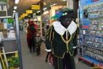 035 Sinterklaas bezoekt Brico Essen - (c) Noordernieuws.be 2017 - DSC_7638