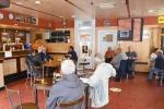 Genieten na lockdown in cafés Essen - Café De Meeuw - (c) Noordernieuws.be - HDB_1384