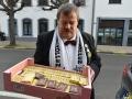 106 Vlotter pakt zoete presentjes van bakker Van Thillo in voor carnavalsbal - Ossekoppen - Essen - (c) Noordernieuws.be 2019 - HDB_1950