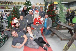 De Kerstman en het personeel van de Brico wensen u een fijne Kerst en een geweldig 2017!