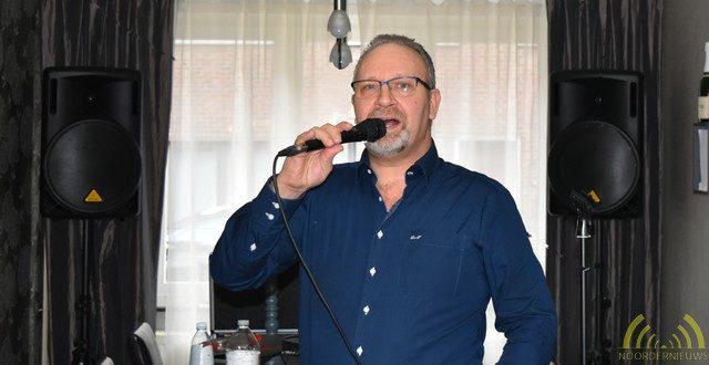 Optreden Jack Woods (Dirk Van Turnhout) in de Molenstraat