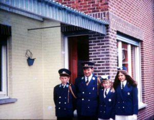 Jozef met zijn vader en zijn zussen