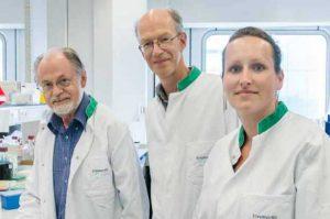 Vlnr: prof. Hoeijmakers, dr. Van Gent en dr. Nonnekens