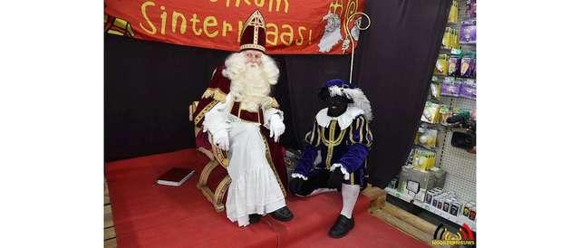 Sinterklaas bezorgd om zieke Pakjespiet