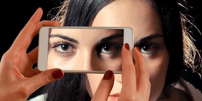 Gezichtsherkenning smartphones eenvoudig te omzeilen
