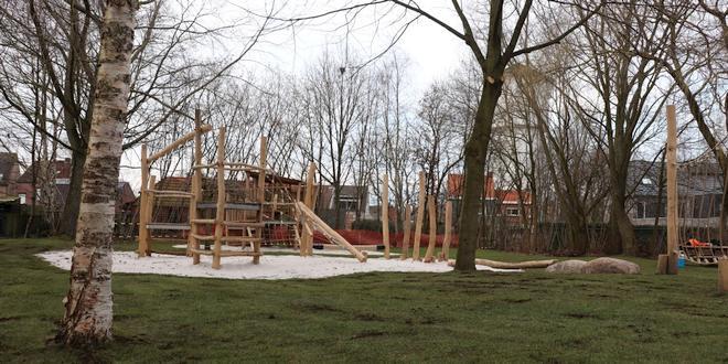 Feestelijke opening vernieuwde speelterreintjes Kauwenberg en Akkerlaan