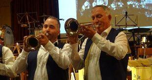 Optreden Essener Muzikanten op Heuvelplein