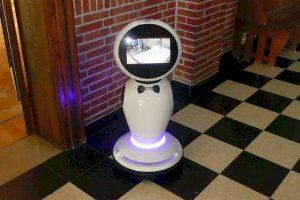 Gemeenteraad Essen - Robot - (c) Noordernieuws.be - P1020894