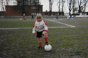 007 Damesvoetbal - De hobby van Isabelle Vermeiren - Noordernieuws.be 2019 - 07s