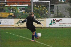 016 Damesvoetbal - De hobby van Isabelle Vermeiren - Noordernieuws.be 2019 - 16s