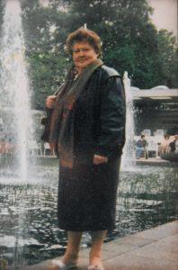Rene Ooye - Vrouw Dina - Geschiedenis van Essen vroeger en nu