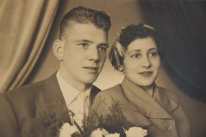 Rene Ooye met vrouw Dina - Geschiedenis van Essen vroeger en nu