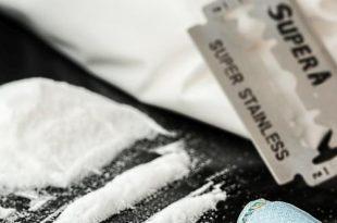 Twee drugshandelaars aangehouden
