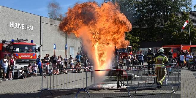 Opendeurdag Brandweer Essen met groot spektakel en vuur - (c) Noordernieuws.be 2019 - HDB_8402