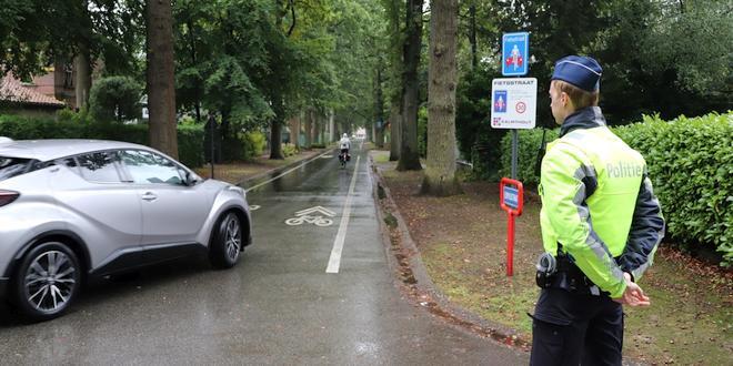 Controles Leopoldstraat en schoolomgeving Kadrie