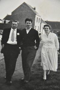 Lisette met haar vader en haar man