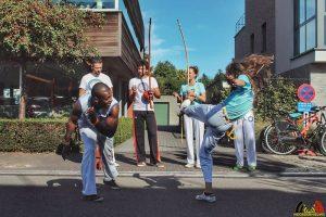 104 Vechtsport Capoeira - Hobby Liesbeth Costermans - (c) Noordernieuws.be 2019 - 79110492_1367306463443666_8368014495104106496_n