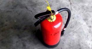Vuurwerkbom vernielt woning