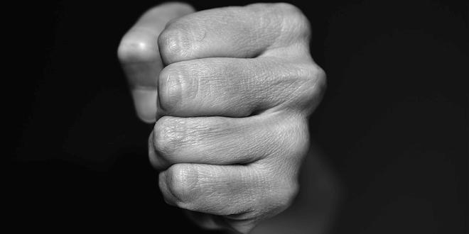 Buiten bewustzijn na forse mishandeling