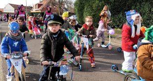 Kindercarnaval optocht Potlodenschool en Mariaberg kleuters Heikant - Essen - (c) Noordernieuws.be 2020 - 095u