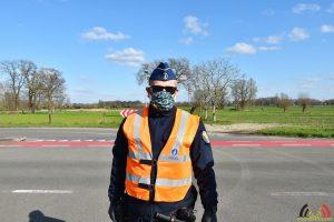 117 Mondkapje tegen corona-virus voor Politieagent in Essen
