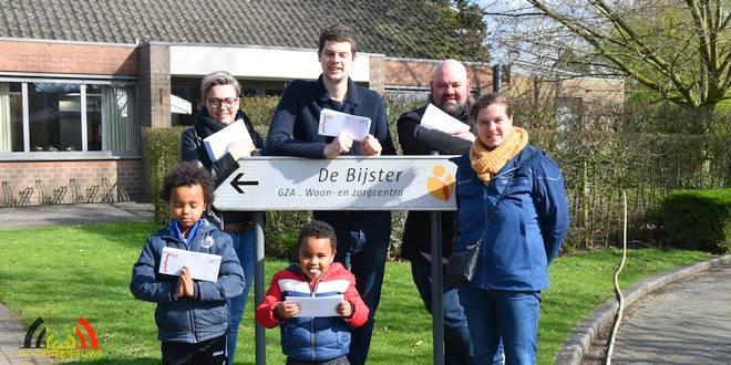 Jong CD&V Essen brengt postkaarten met hoopvolle boodschap naar bewoners Sint-Michael - (c) Noordernieuws.be - HDB_0916u70b