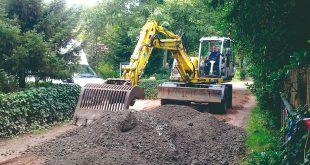 Natte weer belemmert onderhoud onverharde wegen woonbos en weekendzone