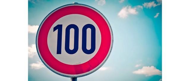 Nederland verlaagt maximumsnelheid snelwegen naar 100 km u