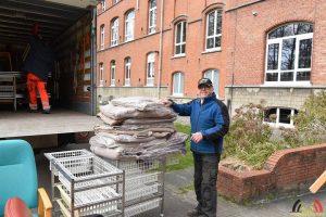 Broeder Willy Essen levertziekenhuis bedden aan ZH Klina Brasschaat ivm corona - (c) Noordernieuws.be - HDB_1006