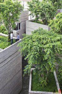Lisa van Hoof - Beroep Woonecoloog - Bio-ecologisch wonen - bouwen en renoveren - ontwerper Vo Trong Nghia - House for Trees - copyright Hiroyuki Oki