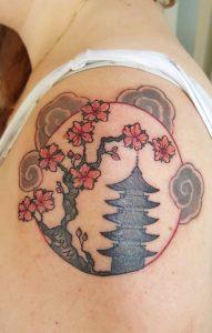 Els Deckers - Beroep Tatoeëerder - Tattoos - Tatoeage Oosterse Pagode