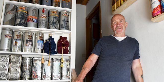 Verzamelaar Marc Van Goethem - Verzameling Whiskykokers - Whisky Sleeves
