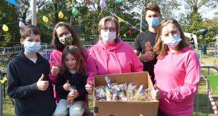 Grenscross Essen sponsort Chiro Horendonk met 300 snoepzakjes