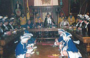 Met Prins Jef Herrijgers, voorzitter Ludo Pockele en de Dansmariekes