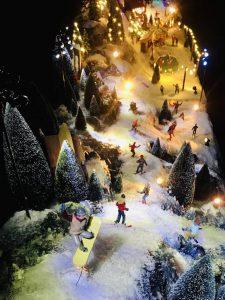 Kalmthouts verzekeringskantoor zet etalage vol winters geluk
