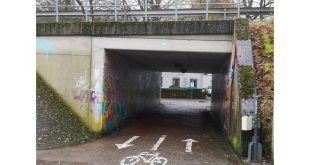 Automobilisten zorgen voor levensgevaarlijke situaties in fietstunneltje