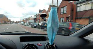 Mondmasker in wagen - (c) Noordernieuws.be - DSCN9054