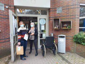 PVDA Basisgroep Essen brengen Sinterklaassurprise bij Sint-Michaël en De Bijster3